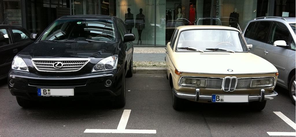 Der Aktuelle und der Alte (zufällig Parkplatznachbarn am Gendarmenmarkt)