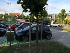 Ladesäule in Grömitz: Und endlich mal ein weiteres Elektroauto!